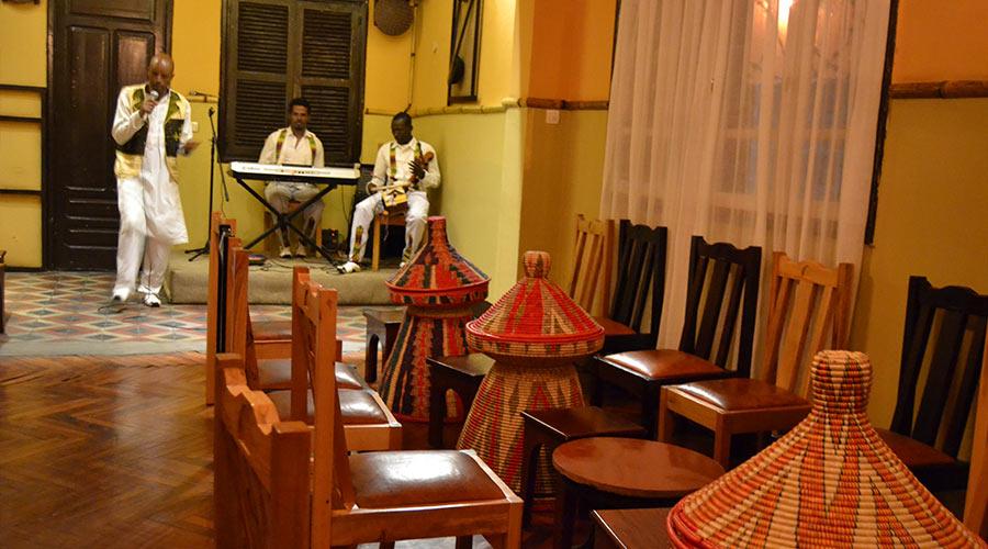 Dashen-terara-Restaurant4